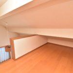 2階居室には2部屋ともにロフトがあり収納力抜群です(寝室)