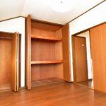 2階洋室6帖収納スペースです。(寝室)