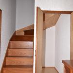 階段下収納も広く色々入りそうです。(内装)