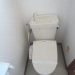 1階温水洗浄トイレ(内装)